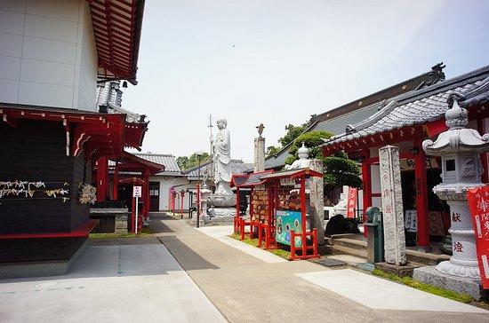 Maebashi Yakuyoke Taishi Rengein Temple: 境内の様子