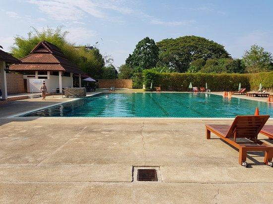Peaceful clean relaxing pool