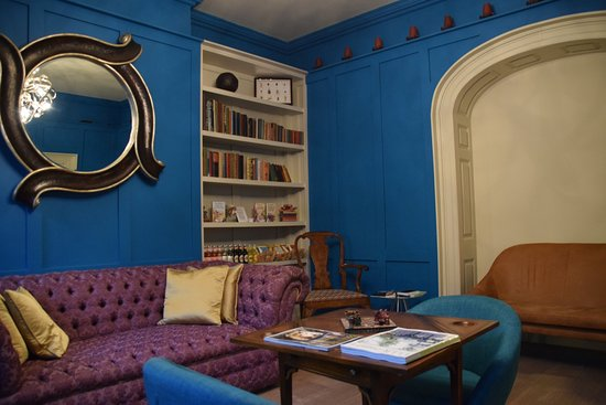 Berkeley Square House: Lounge & breakfast room