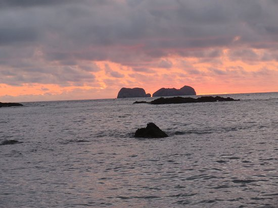 Private Sailing Snorkel and Sunset Cruise in Flamingo: Sunset
