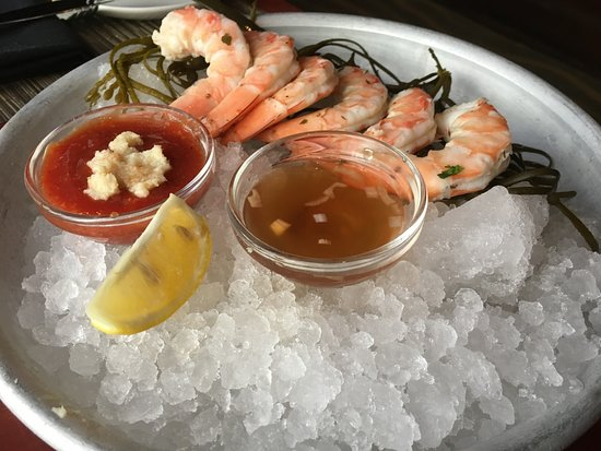 Harry's Savoy Grill: Shrimp Cocktail.