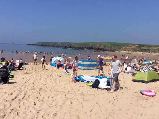 Porthor Beach (Whistling Sands): Busy Bank holiday