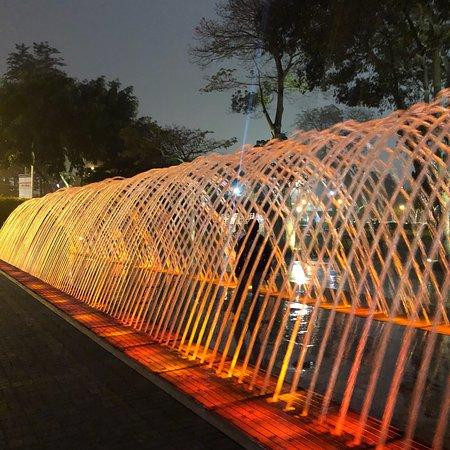 Circuito Magico Del Agua ภาพถ่าย