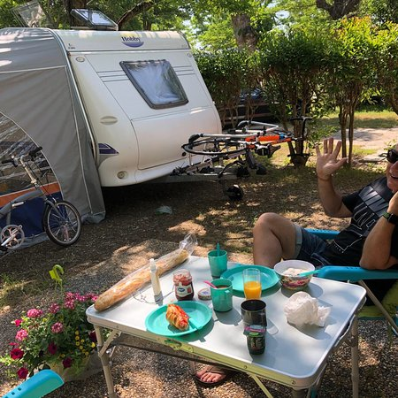 Espace douche et wc photo de camping sandaya riviera d - Camping les jardins de villepey saint aygulf ...