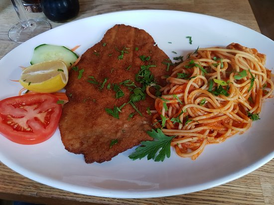Al Forno: Veal Milanese. Dry, Chewy and served with steaming Spaghetti!