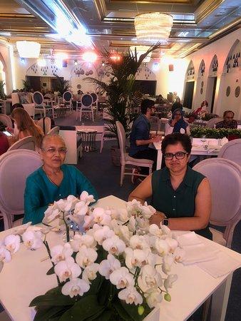 โรงแรมเดอะริทซ์คารตันดูไบ: Iftar Eating Area