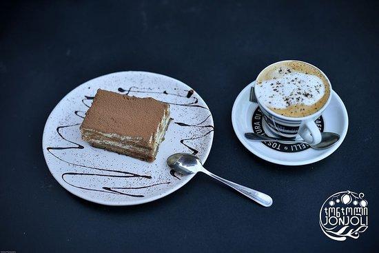 Jonjoli: coffee