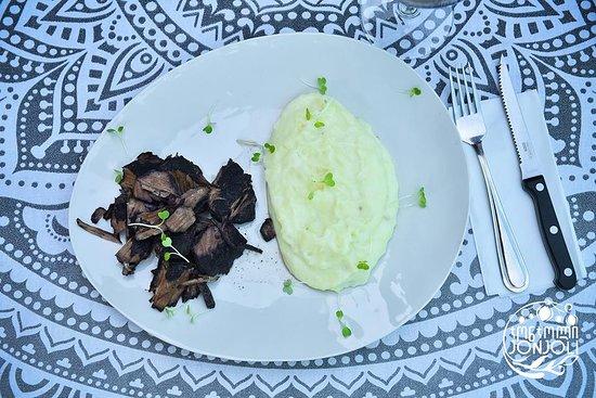 Jonjoli: Beef Stewed in Saperavi