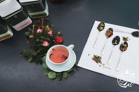 Jonjoli: Tea