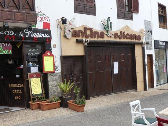 La Cantina Mejicana: Closed Doors
