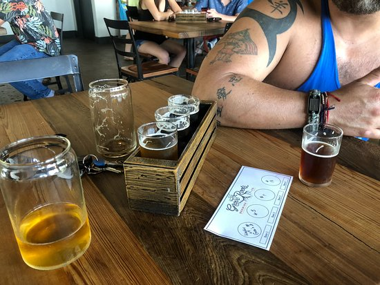 Grove Roots Brewing Co.张图片