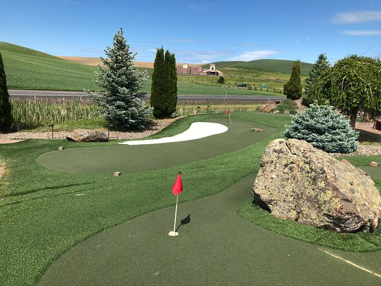 Airway Hills Miniature Golf and Driving Range
