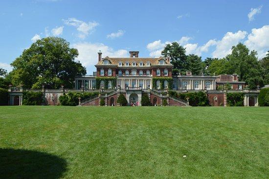 Old Westbury, NY: back of mansion