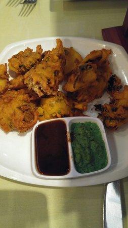 East India Grill: Vegetable Pakoras