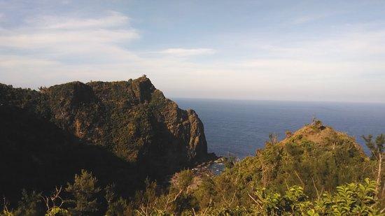 Green Island Little Great Wall: 觀亭立山巔
