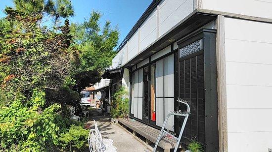 Guest House Darumaya: 縁側と縁台   BBQも