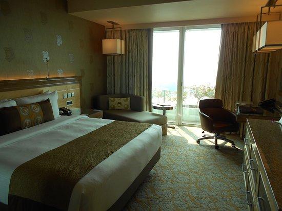 Marina Bay Sands : キングサイズベッドルーム
