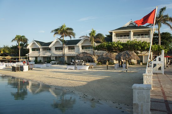 Sandals Royal Caribbean Resort and Private Island: resort on a quiet morning