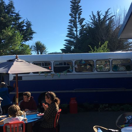 Otaki, Neuseeland: Busy on a sunny weekend day