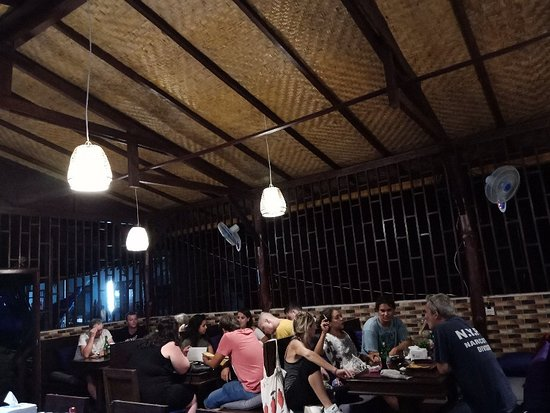 Ba'Bar Kitchen & Lounge: Excellent food on Nusa Penida. Authentic Classic Italian and French Cuisine