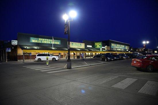 Уолл, Южная Дакота: Lovely evening at Wall Drug