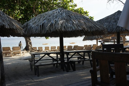 Sandals Royal Caribbean Resort and Private Island: grounds