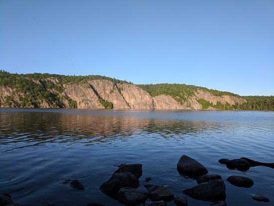 Bon Echo Provincial Park : We used emergency blankets around the coolers and water bottle to keep it all cool