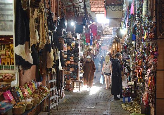 Best Travel Morocco: Marrakech Souk (Market)