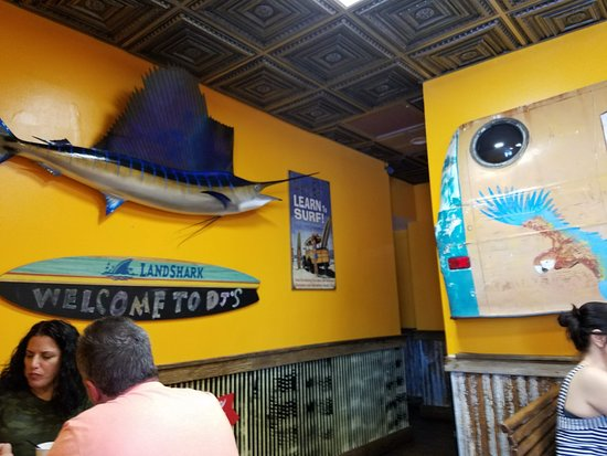 D.J.'s Clam Shack : Kitchy, nautical decor perfect for the summer ambience!