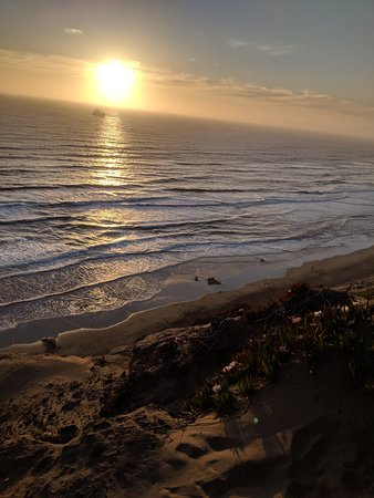 Fort Funston: Cliffs at sunset