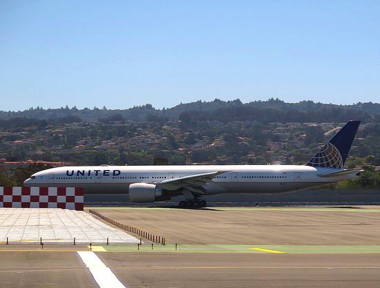 United Airlines: UA5320 ERJ-175 SFO to PHX Seat 1D - UA 757-224WL N19130