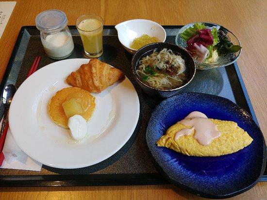Hoshino Resorts Oirase Keiryu Hotel: Hallway to buffet