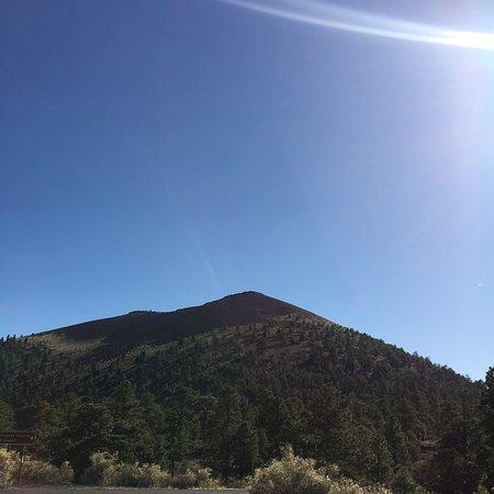 落日火山遗址照片