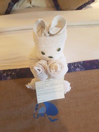 Ramayana Candidasa : cute welcome towel animal
