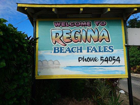 Regina's Beach Fales: DSC_0764_large.jpg