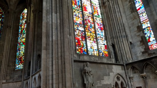Cathedrale Notre-Dame de Rouen: stained glass