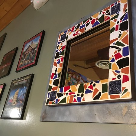 Kaleidoscope Pizzeria & Pub: Fantastic food and posters!