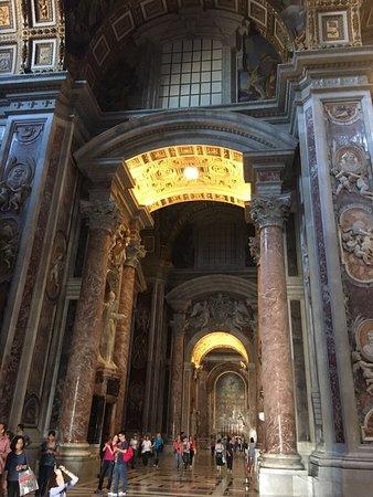บาซิลิกาของเซนต์ปีเตอร์: Petersdom