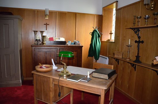 Emmerdale Village Tour: Inside church