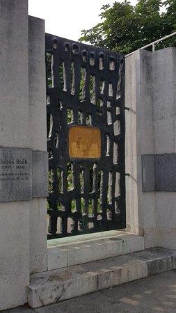 Denkmal Julius Raab