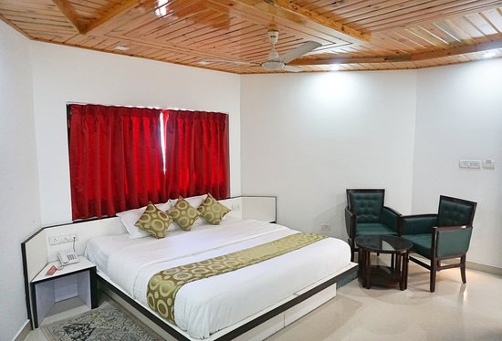 Ess & Bee Resorts: Deluxe Room