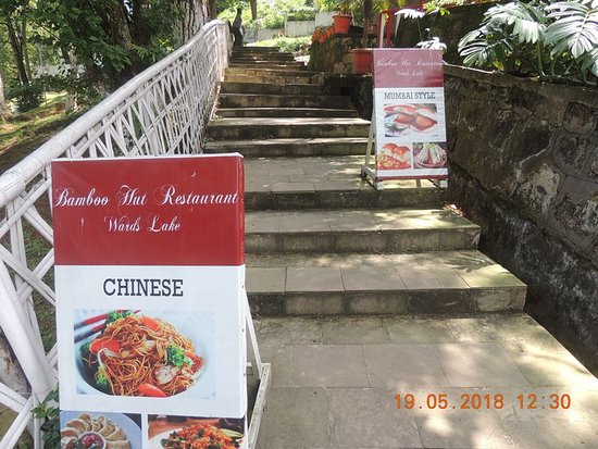 Bamboo Hut Lake Cafe : Menu board of the day