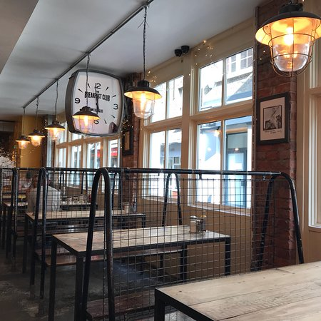 The Breakfast Club: Nice funky place with yummy pancakes