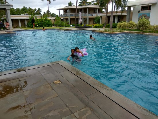 Heritage Resort Hampi: Large and very clean swimming pool with pleasantly cool water even in June end