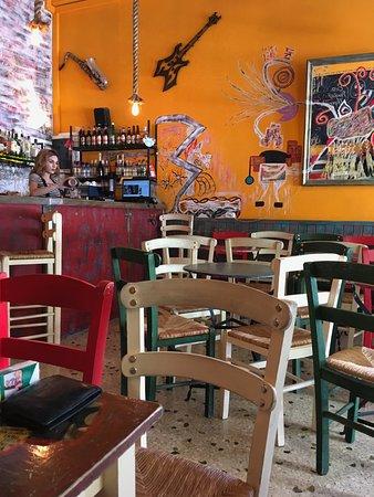 Sfika atene ristorante recensioni numero di telefono for Ristoranti ad atene