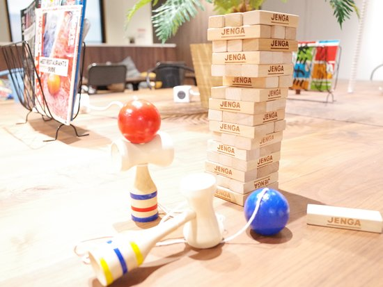 Hostel Enisia Namba: Japanese Traditional Toy at common space