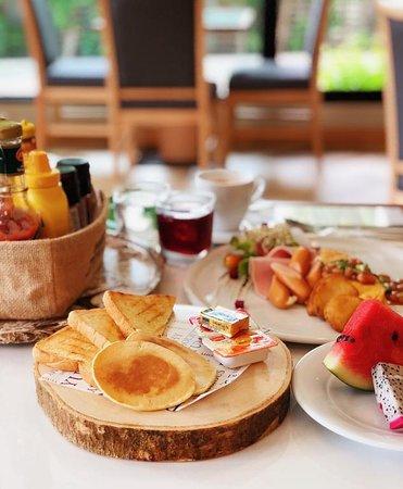 Civilize Hotel: Breakfast Buffet