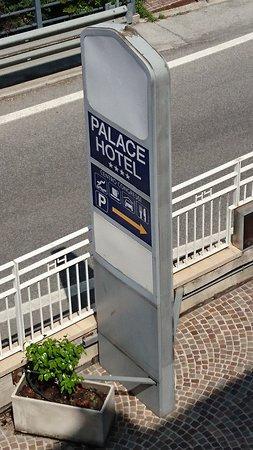 insegna Palace Hotel di San Marino