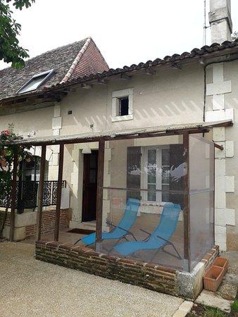 Saint-Laurent-des-Hommes, Francia: 20180528_172458_large.jpg