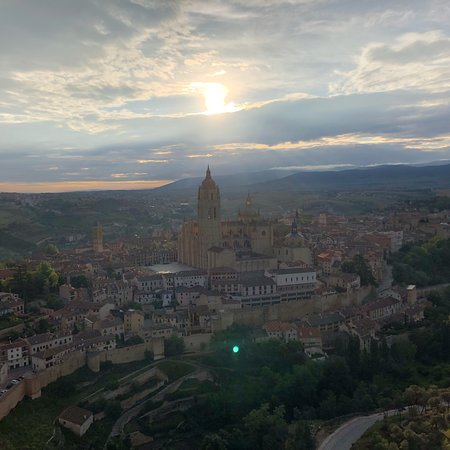 Hot Air Balloon Flight Over Segovia or Toledo with Optional Transport from Madrid ภาพถ่าย